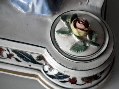 Royal Dux: Rokoková dáma-  detail