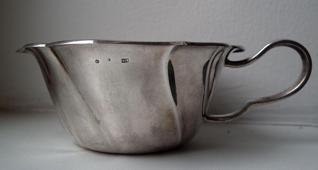 Stříbrná miska a šálek